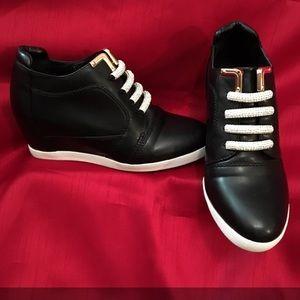 High Heel Black Sneaker